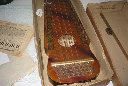 A violin uke!!
